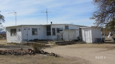 Inyo County, Kern County, Tulare County Single Family Home For Sale: 1857 S Mike's Trail