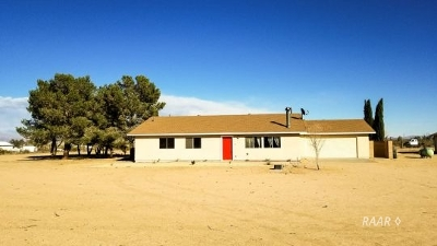 Inyo County, Kern County, Tulare County Single Family Home For Sale: 3614 Mesquite