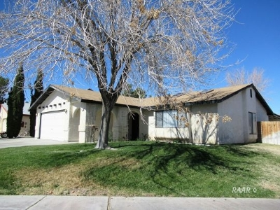 Inyo County, Kern County, Tulare County Single Family Home For Sale: 247 Kimberly Ln