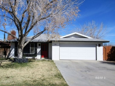 Inyo County, Kern County, Tulare County Single Family Home For Sale: 816 Alene Ave