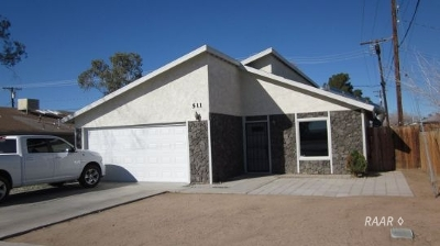 Inyo County, Kern County, Tulare County Single Family Home For Sale: 511 S Downs St