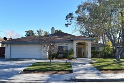Inyo County, Kern County, Tulare County Single Family Home For Sale: 1213 W Tamarisk Ave