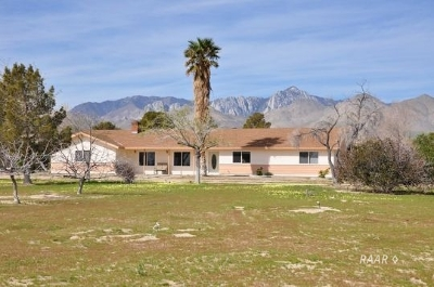 Inyo County, Kern County, Tulare County Single Family Home For Sale: 7777 N Brown Road N #1