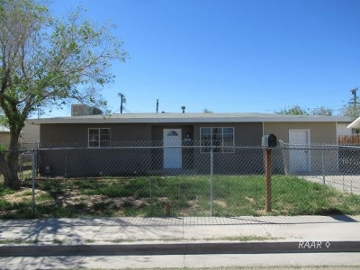 Inyo County, Kern County, Tulare County Single Family Home For Sale: 207 W French Ave