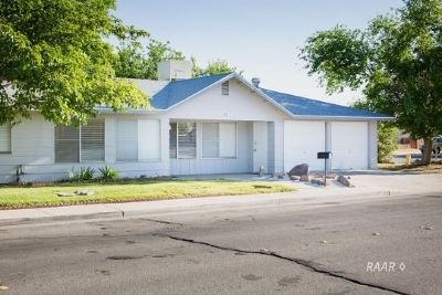 Inyo County, Kern County, Tulare County Single Family Home For Sale: 501 E California Ave
