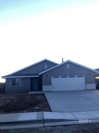Inyo County, Kern County, Tulare County Single Family Home For Sale: 1117 Mayo St