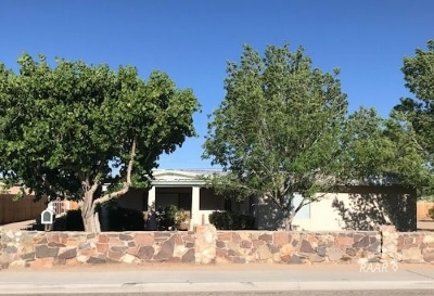 Inyo County, Kern County, Tulare County Single Family Home For Sale: 824 Allen St