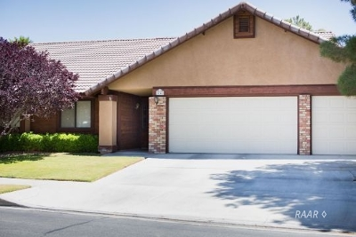 Inyo County, Kern County, Tulare County Single Family Home For Sale: 1242 Mountain View Dr