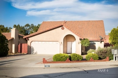 Inyo County, Kern County, Tulare County Single Family Home For Sale: 630 Regency Ct
