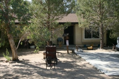 Inyo County, Kern County, Tulare County Single Family Home For Sale: 6417 Shelly Ct.