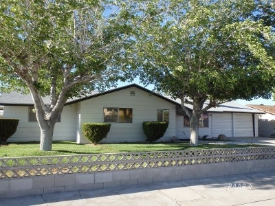 Inyo County, Kern County, Tulare County Single Family Home For Sale: 630 E California St