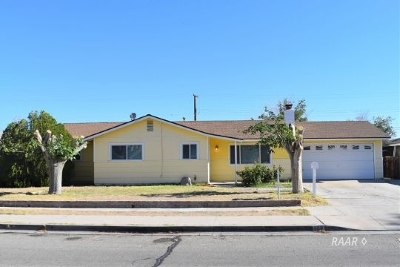 Inyo County, Kern County, Tulare County Single Family Home For Sale: 700 E California Ave