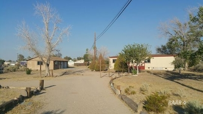 Inyo County, Kern County, Tulare County Single Family Home For Sale: 1500 N Charles St