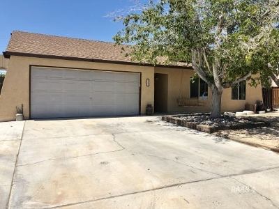 Inyo County, Kern County, Tulare County Single Family Home For Sale: 420 Debra Ln