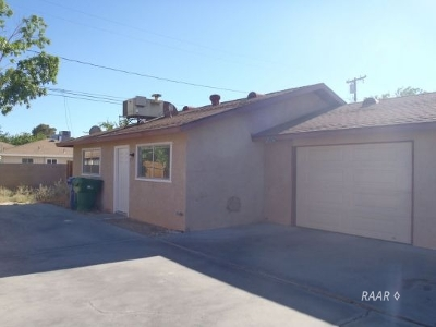 Inyo County, Kern County, Tulare County Multi Family Home For Sale: 837 Commercial