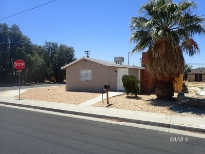 Inyo County, Kern County, Tulare County Multi Family Home For Sale: 301 W Church