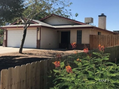Inyo County, Kern County, Tulare County Single Family Home For Sale: 824 Charles Ct