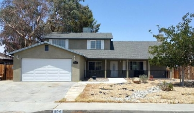 Inyo County, Kern County, Tulare County Single Family Home For Sale: 804 W Bataan Ave