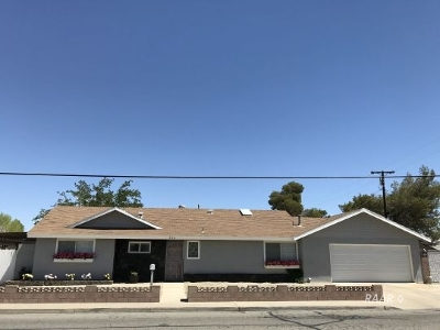 Inyo County, Kern County, Tulare County Single Family Home For Sale: 524 E Church Ave