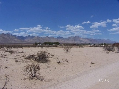 Inyo County, Kern County, Tulare County Residential Lots & Land For Sale: 064-310-62 N Hawk St