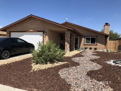 Inyo County, Kern County, Tulare County Single Family Home For Sale: 624 Lakeview Ct