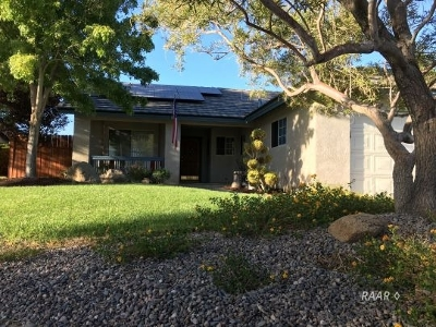 Inyo County, Kern County, Tulare County Single Family Home For Sale: 1212 Jennifer Ct