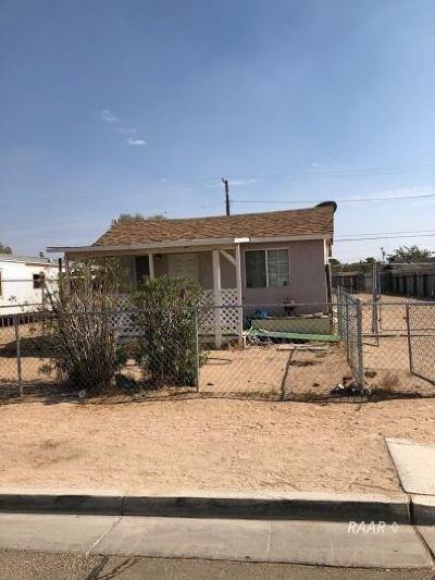 Inyo County, Kern County, Tulare County Single Family Home For Sale: 329 W Wilson Ave