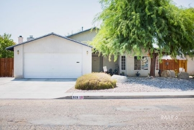 Inyo County, Kern County, Tulare County Single Family Home For Sale: 929 W Tamarisk Ave