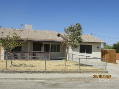 Inyo County, Kern County, Tulare County Single Family Home For Sale: 918 W Hughes Ave
