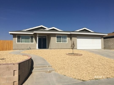 Inyo County, Kern County, Tulare County Single Family Home For Sale: 425 S. Margalo St.