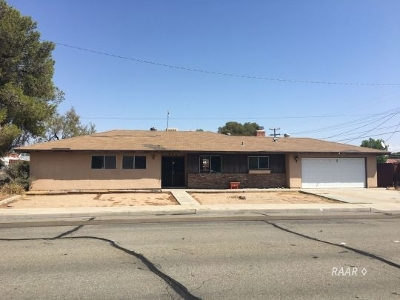 Inyo County, Kern County, Tulare County Single Family Home For Sale: 400 E California Ave