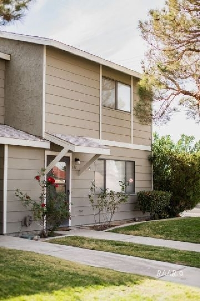 Inyo County, Kern County, Tulare County Single Family Home For Sale: 147 E Upjohn Ave