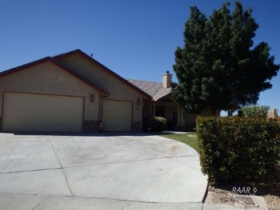 Inyo County, Kern County, Tulare County Single Family Home For Sale: 424 Lorene Ct