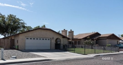 Inyo County, Kern County, Tulare County Single Family Home For Sale: 309 E Wilson Ave.