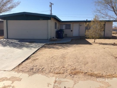 Inyo County, Kern County, Tulare County Single Family Home For Sale: 1423 Sims