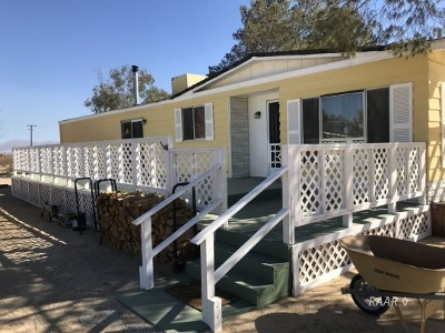 Inyo County, Kern County, Tulare County Single Family Home For Sale: 5558 Avenida Del Sol