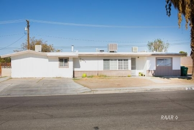 Inyo County, Kern County, Tulare County Single Family Home For Sale: 308 W Howell Ave