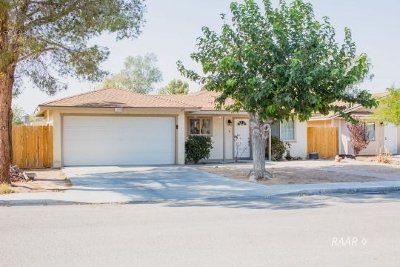 Inyo County, Kern County, Tulare County Single Family Home For Sale: 325 Valley St