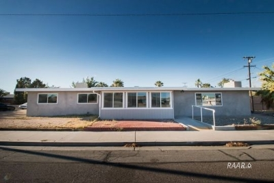 Inyo County, Kern County, Tulare County Single Family Home For Sale: 350 E California Ave