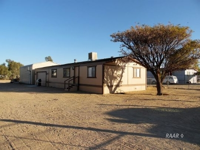 Inyo County, Kern County, Tulare County Single Family Home For Sale: 1240 N Thorn St