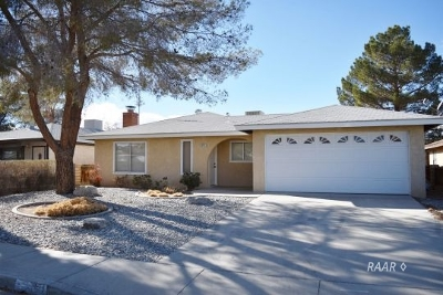 Inyo County, Kern County, Tulare County Single Family Home For Sale: 313 S Lincoln St