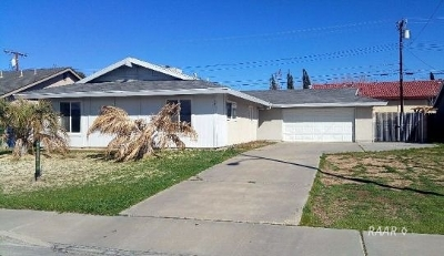 Inyo County, Kern County, Tulare County Single Family Home For Sale: 530 S Sanders St