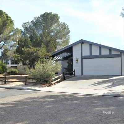 Inyo County, Kern County, Tulare County Single Family Home For Sale: 801 Sydnor Ave