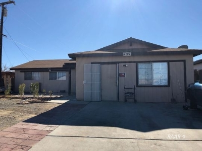 Inyo County, Kern County, Tulare County Single Family Home For Sale: 705 W Church Ave