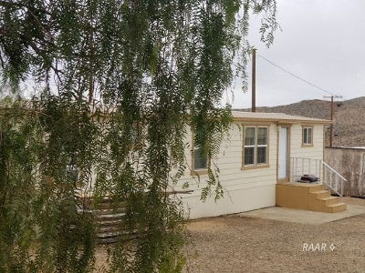 Inyo County, Kern County, Tulare County Mobile/Manufactured For Sale: 27737 Buluwayo Ave