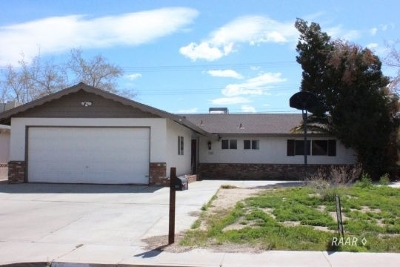 Inyo County, Kern County, Tulare County Single Family Home For Sale: 333 Perdew Ave