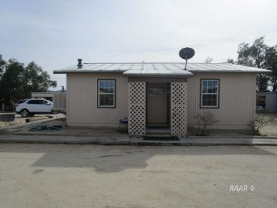 Inyo County, Kern County, Tulare County Single Family Home For Sale: 518 W Upjohn Ave