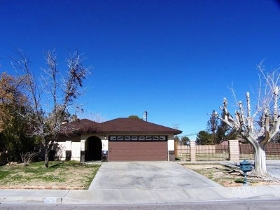 Ridgecrest Single Family Home For Sale: 504 Garis Ave