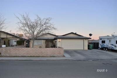 Inyo County, Kern County, Tulare County Single Family Home For Sale: 632 S Silver Ridge St