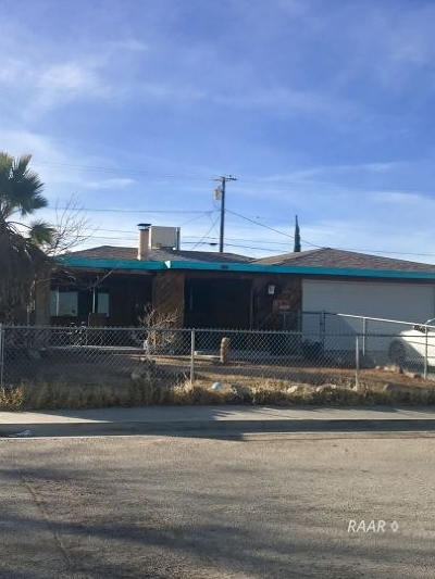 Inyo County, Kern County, Tulare County Single Family Home For Sale: 1421 Mayo St